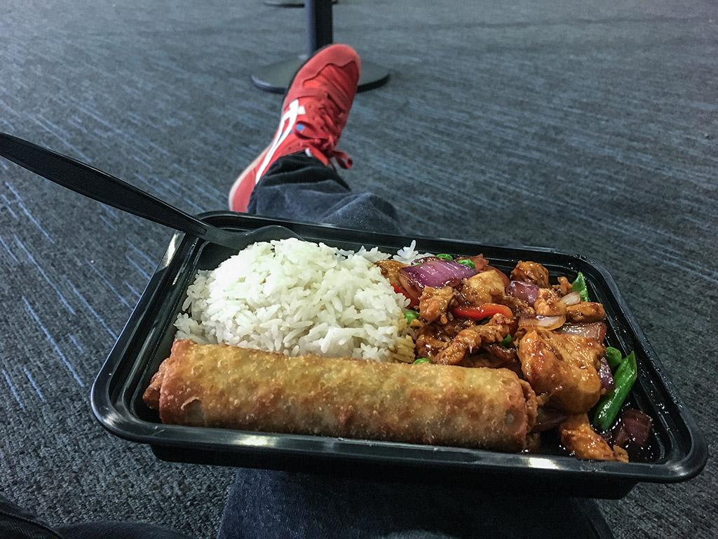 Chicago airport international terminal food