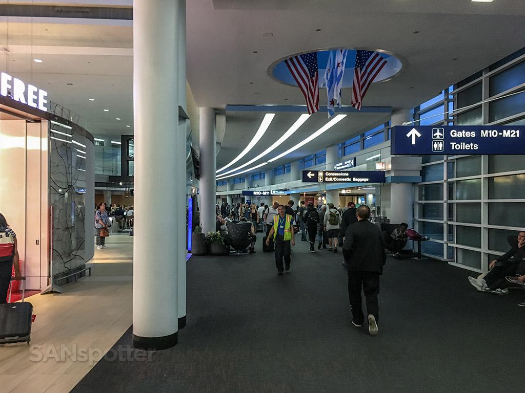 Chicago O'Hare international terminal interior