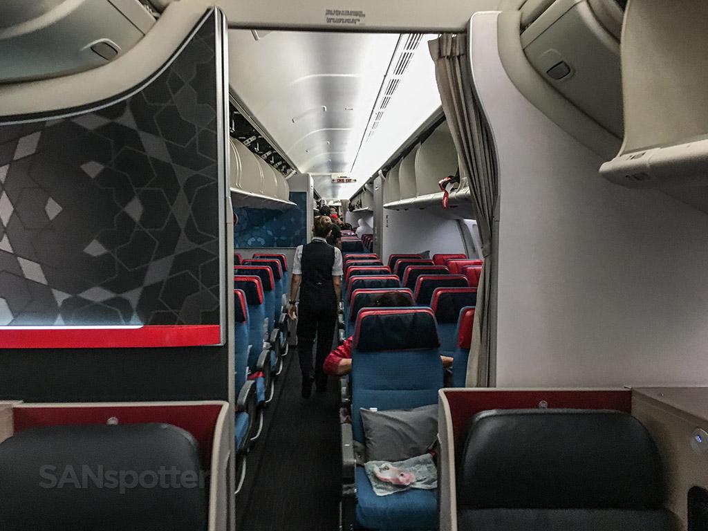 Turkish Airlines 777-300 interior