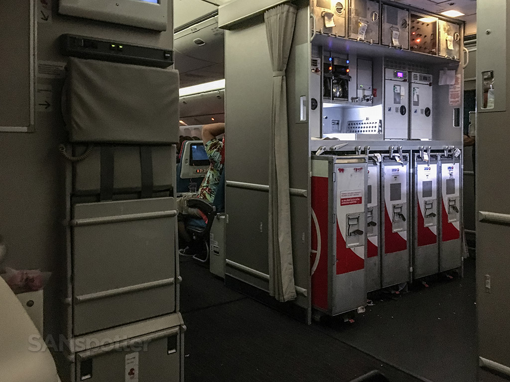 Turkish Airlines 777–300 review