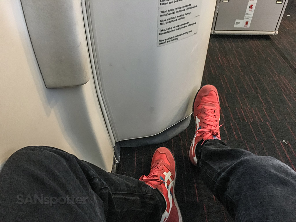 Turkish Airlines 777 exit row economy class leg room