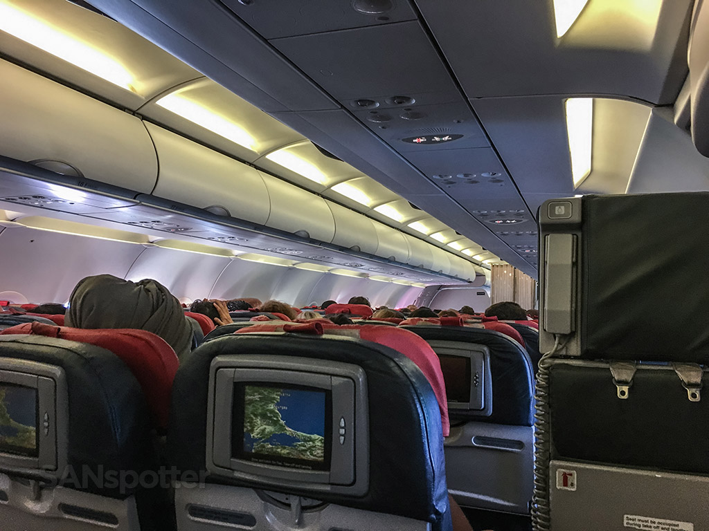 Turkish Airlines A321 main cabin