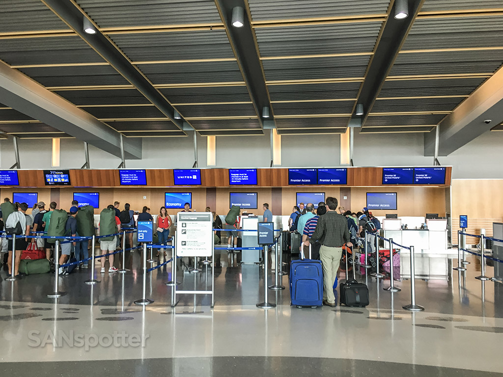 United airlines baggage drop and check in San Diego airport