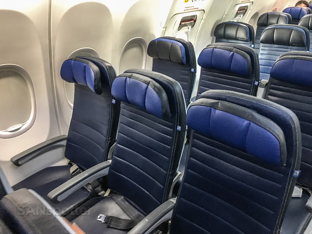 United Airlines 737 blue seats