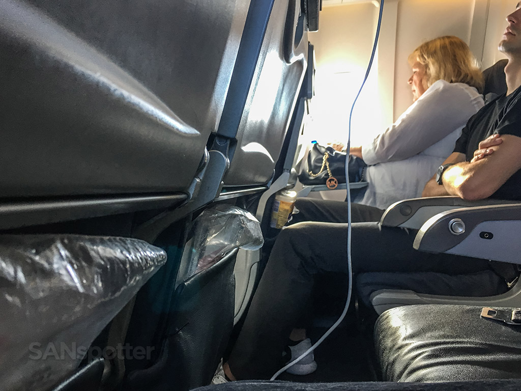 Air Canada express comfortable seats review