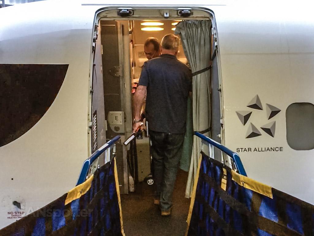 CRJ-900 boarding door