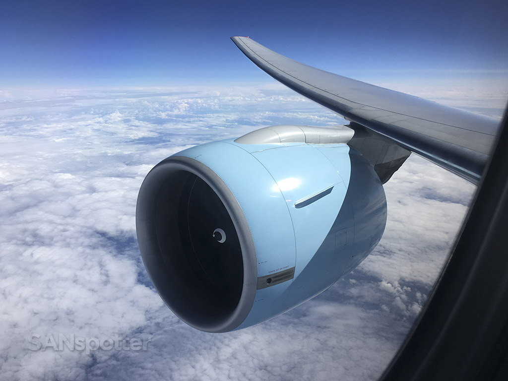 Austrian Airlines 777 wing and engine