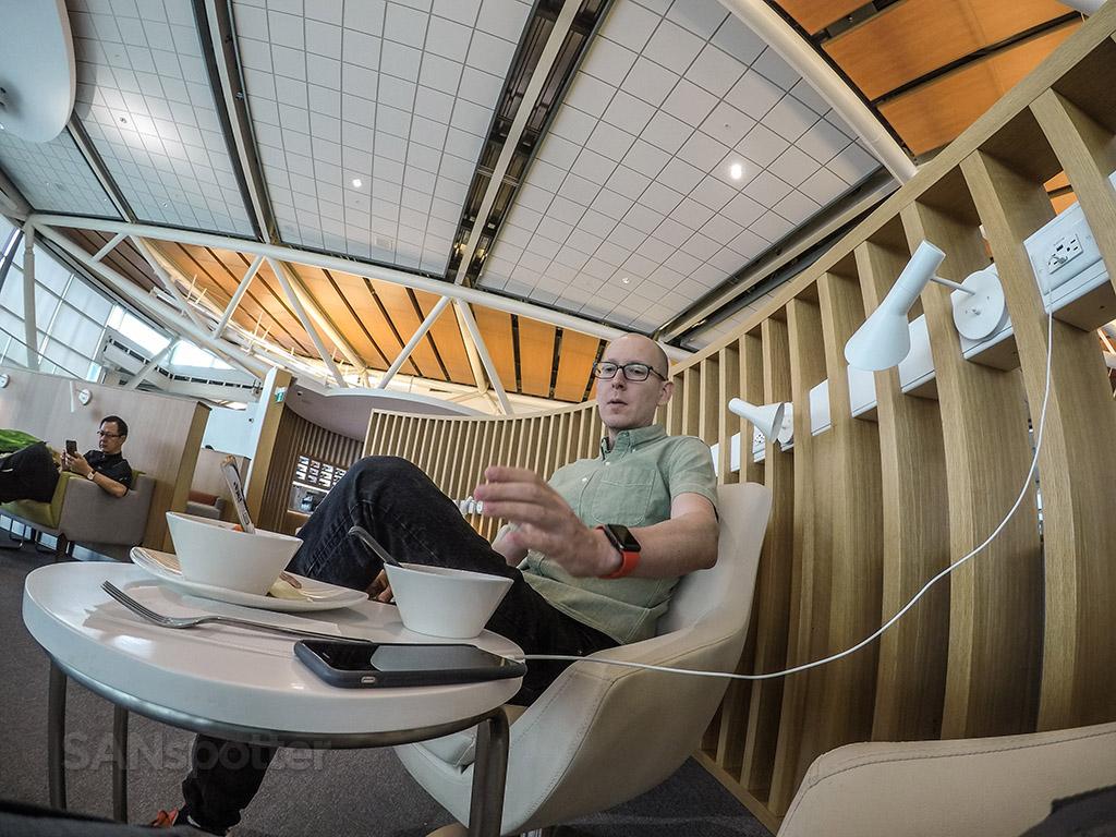 SANspotter selfie YVR lounge
