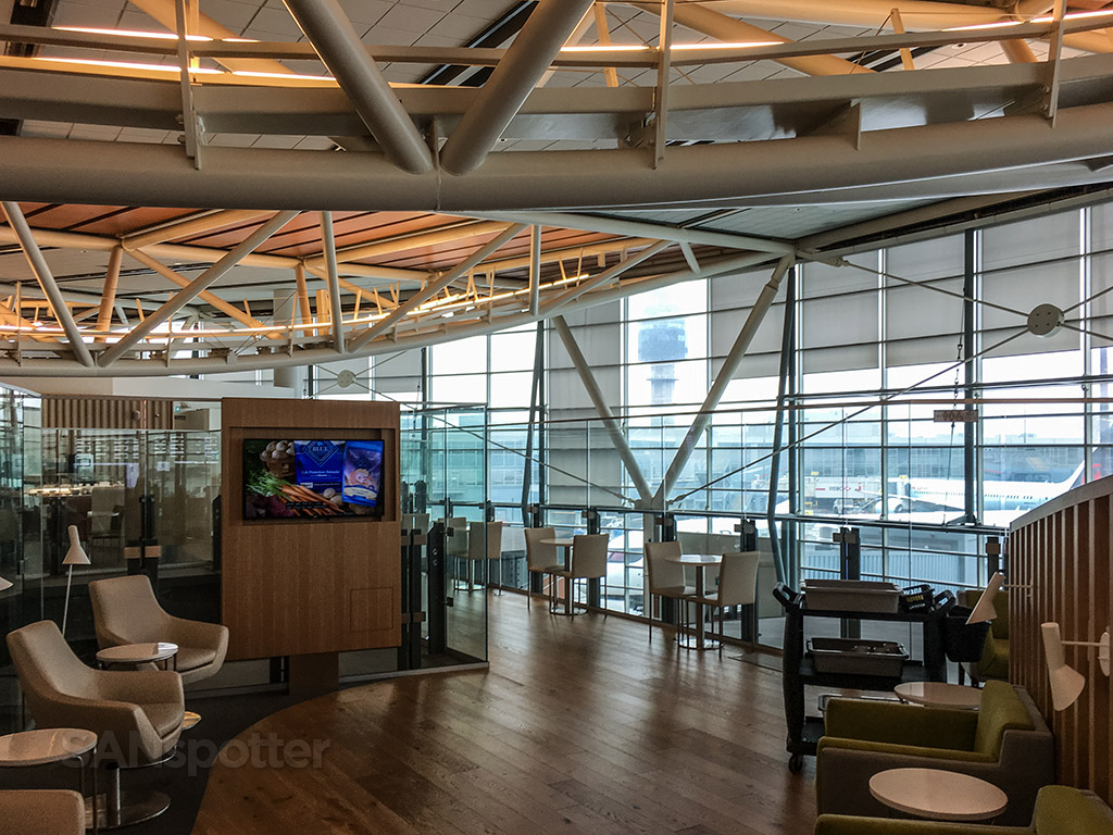 SkyTeam lounge YVR interior