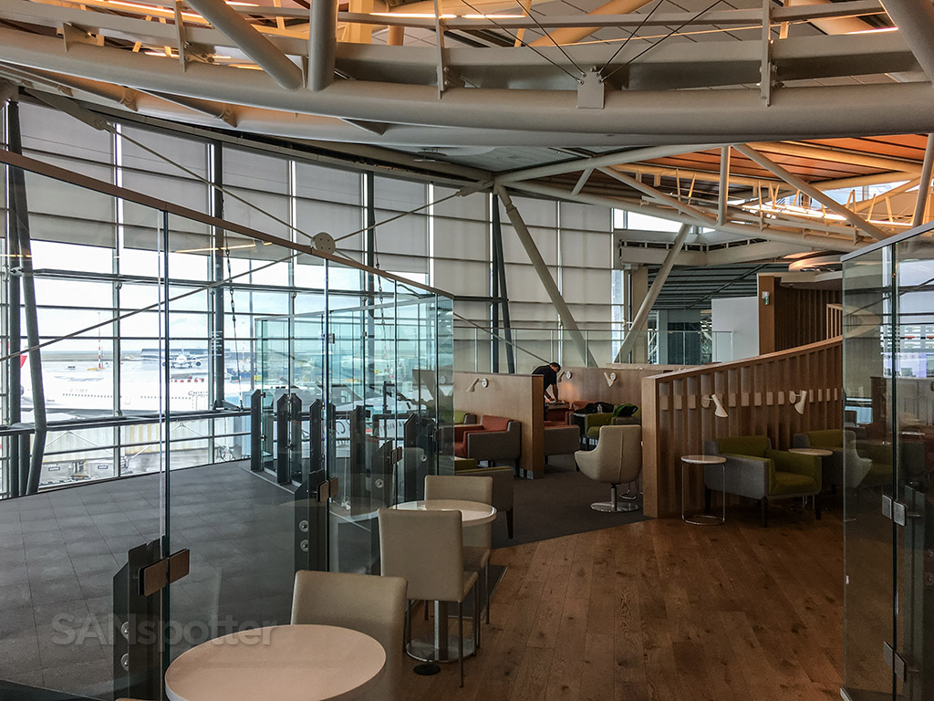 SkyTeam lounge yvr layout