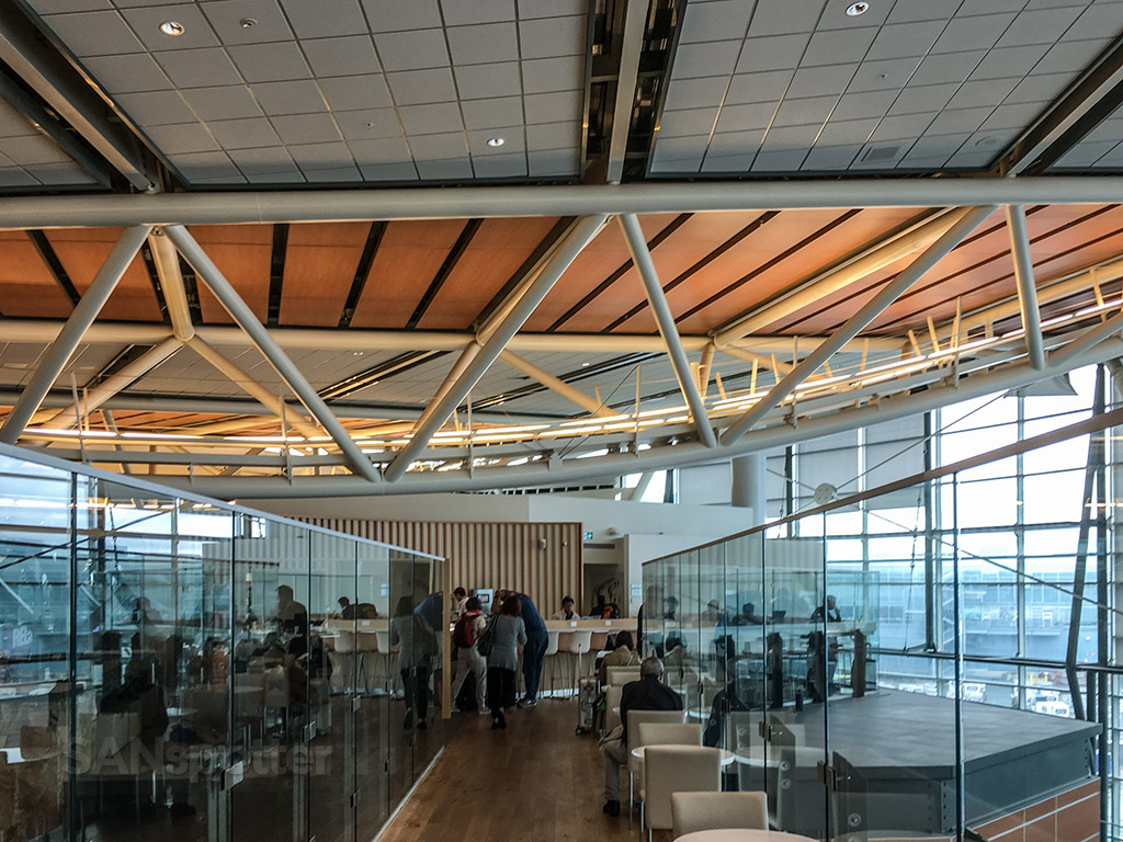 SkyTeam lounge yvr architecture