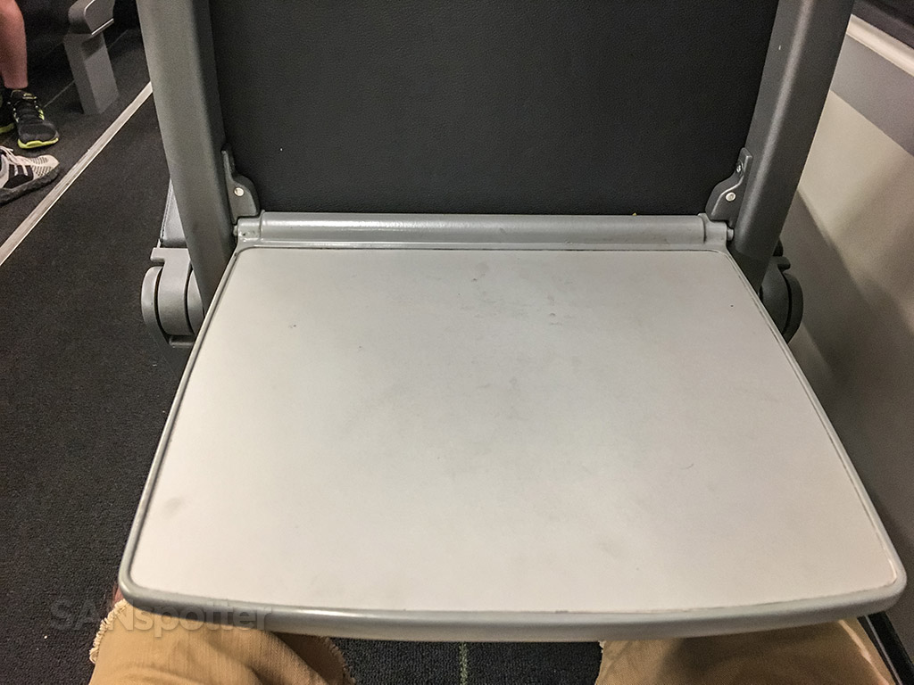 Vienna CAT train tray table