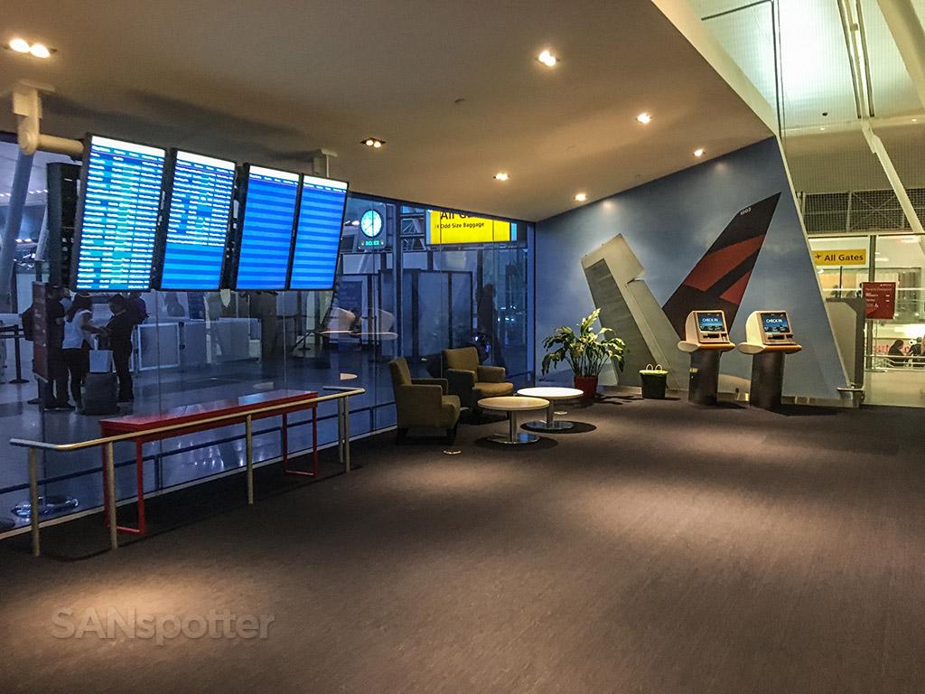 Sky Priority Lounge JFK terminal 4