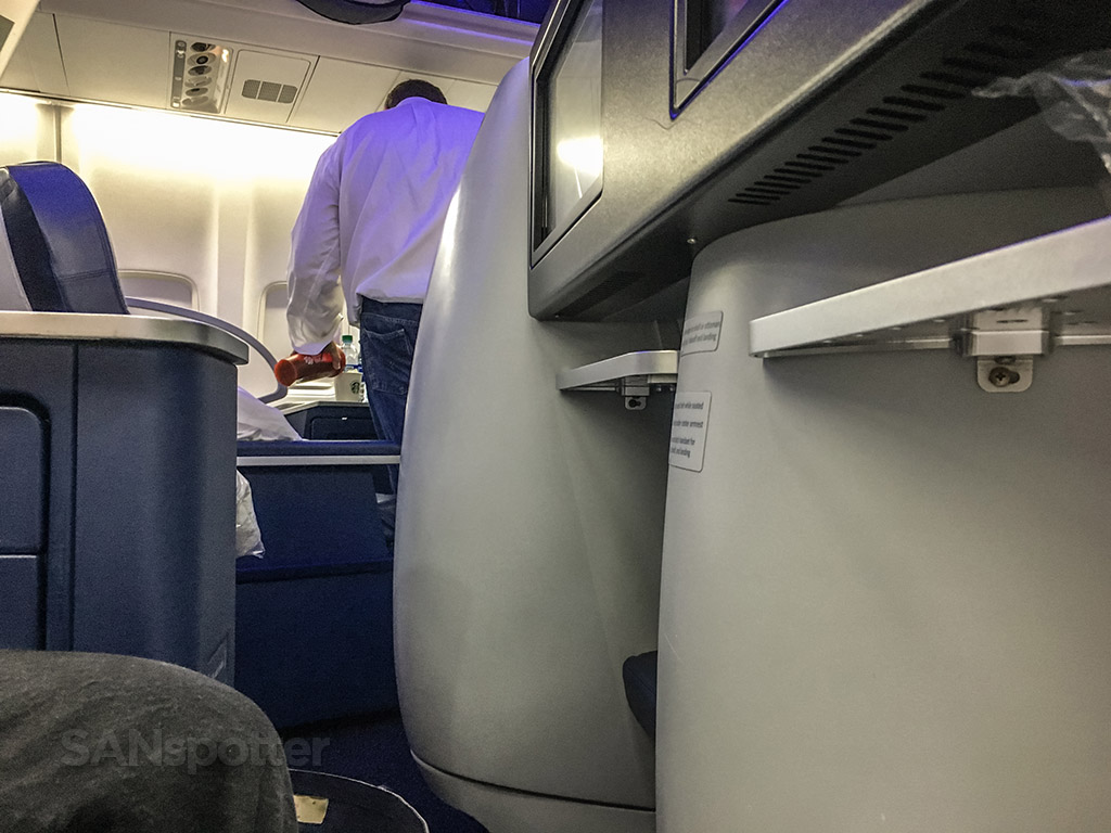 Delta one 757 seat review