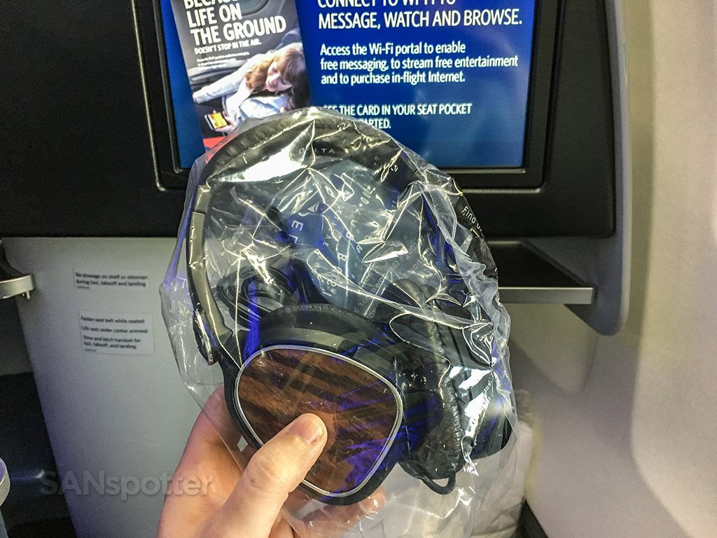 Delta one noise canceling headphones