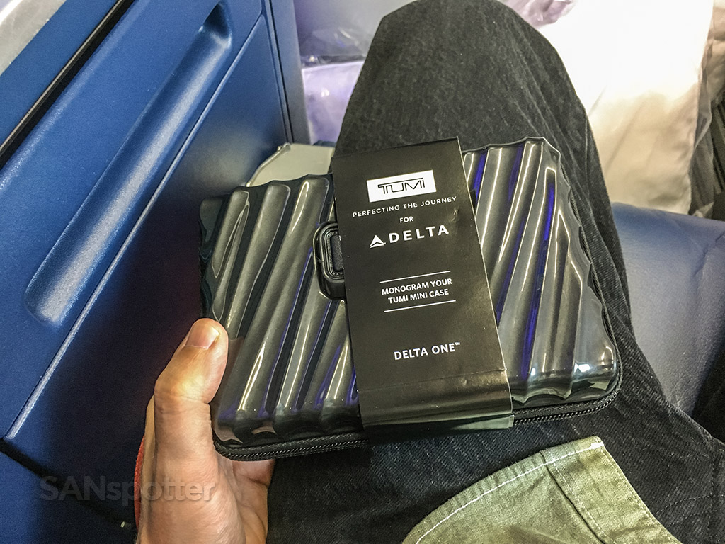 Delta one tumi amenity kit