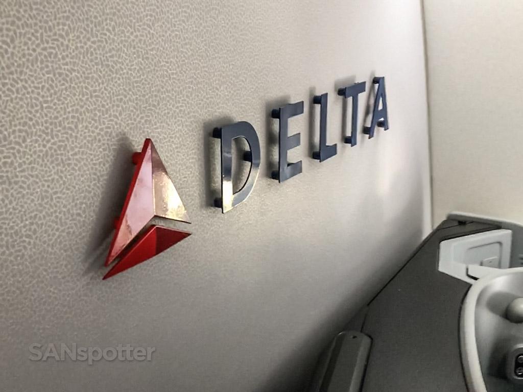 Delta logo 757 interior