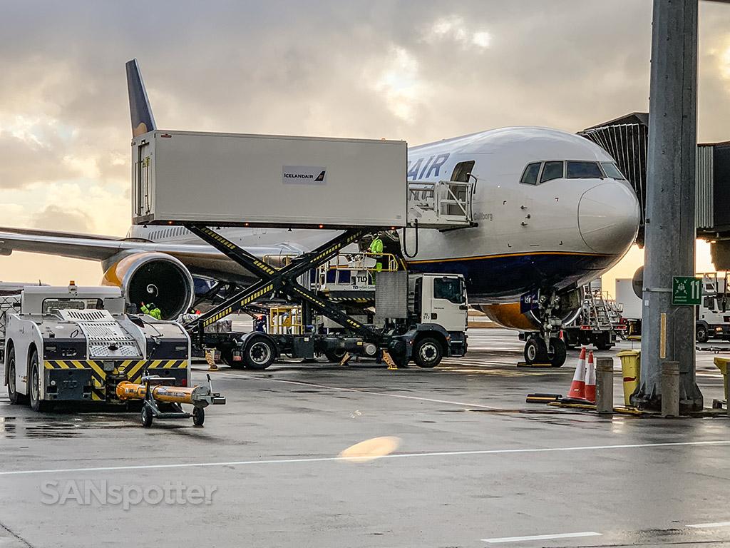 Icelandair 767 at gate KEF