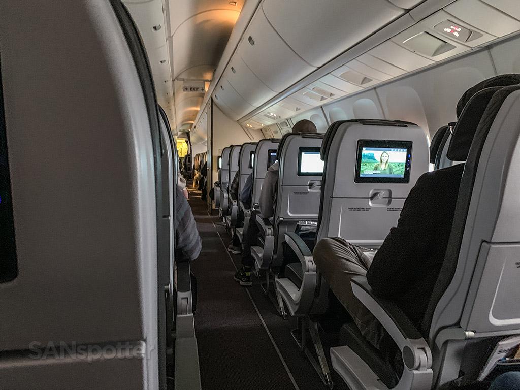 Icelandair economy class review