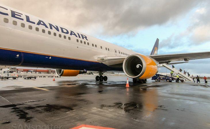 Icelandair 767-300 review