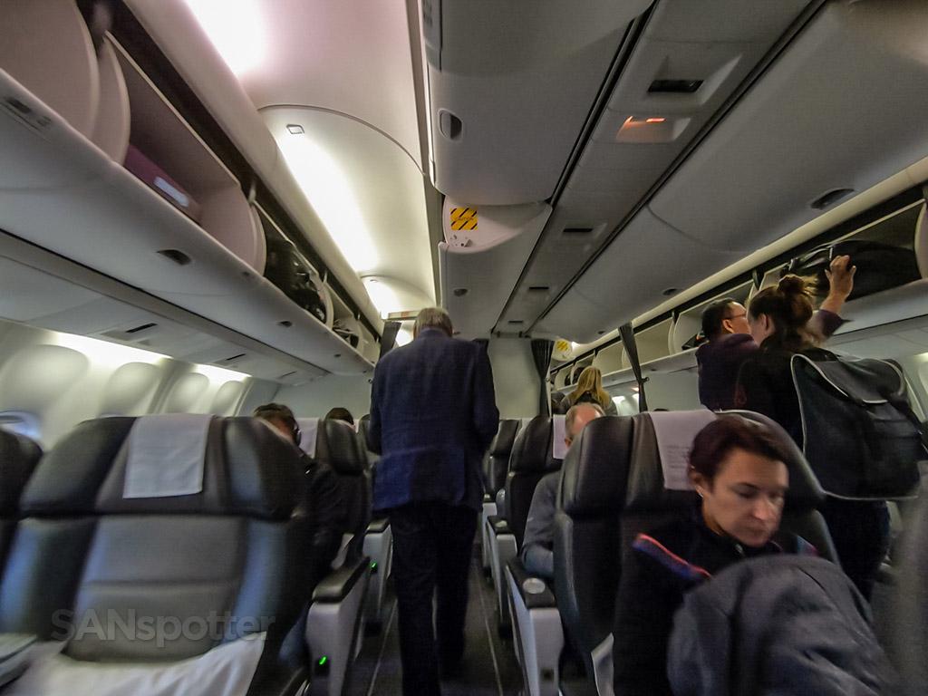 Icelandair 767 Saga class