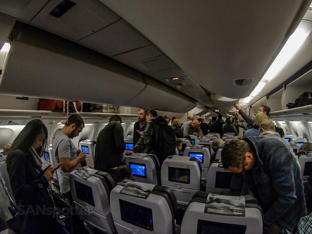 Icelandair 767 arrival SFO