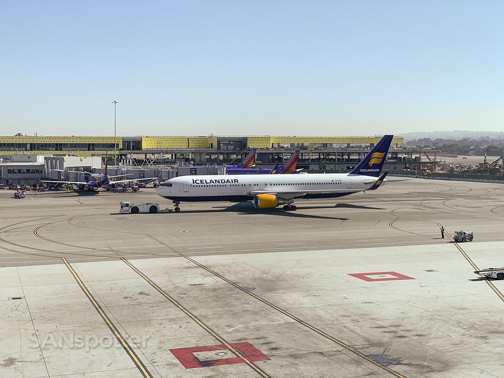 Icelandair 767-300 SFO