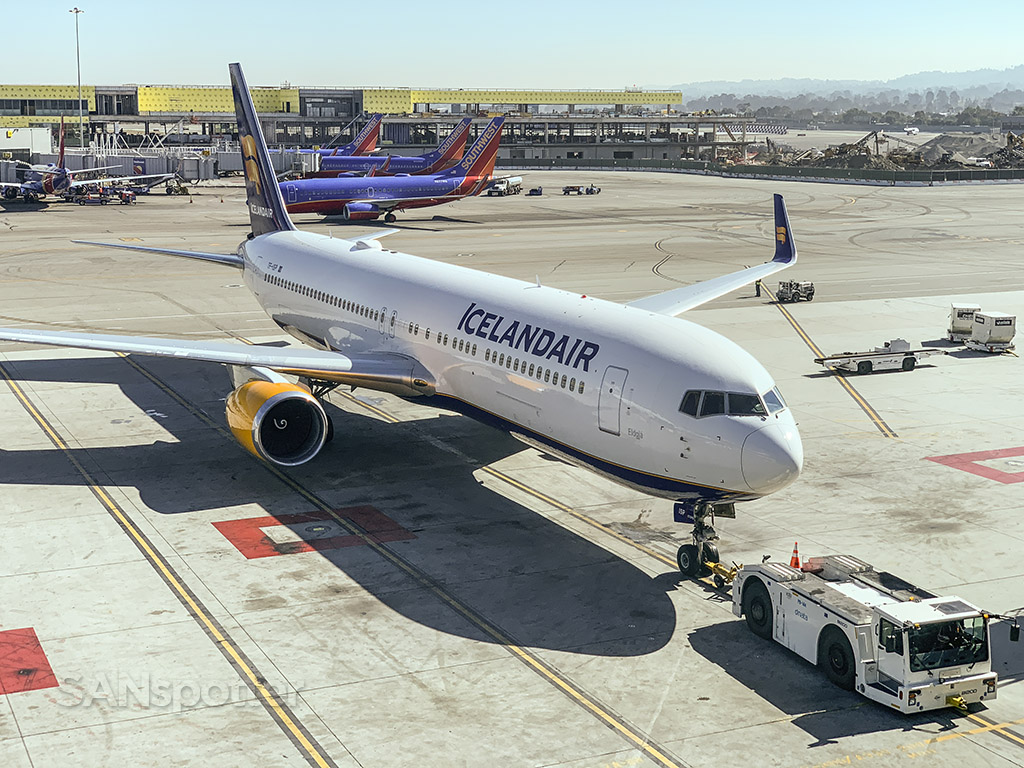 Icelandair 767-300 SFO TF-ISP