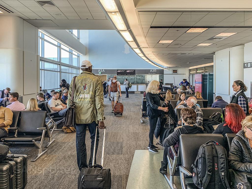 Icelandair passengers at SFO
