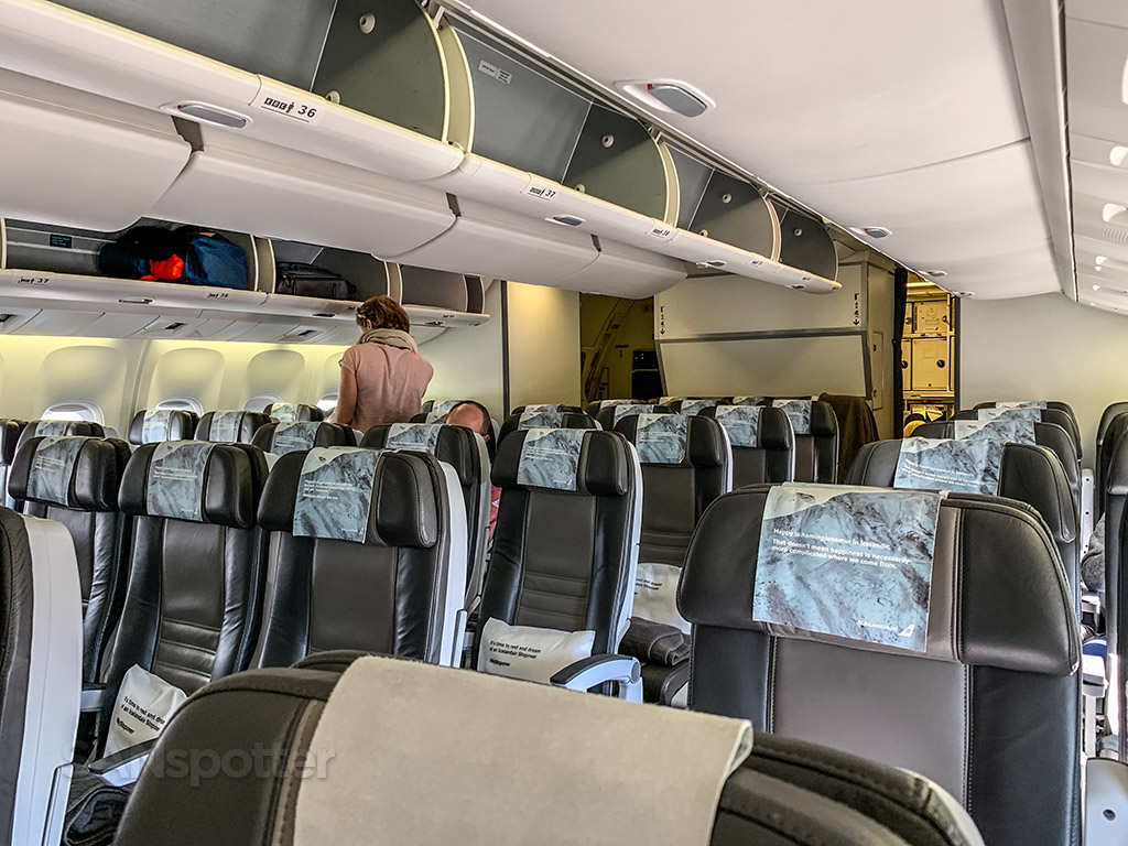 Empty Icelandair 767 SFO-KEF
