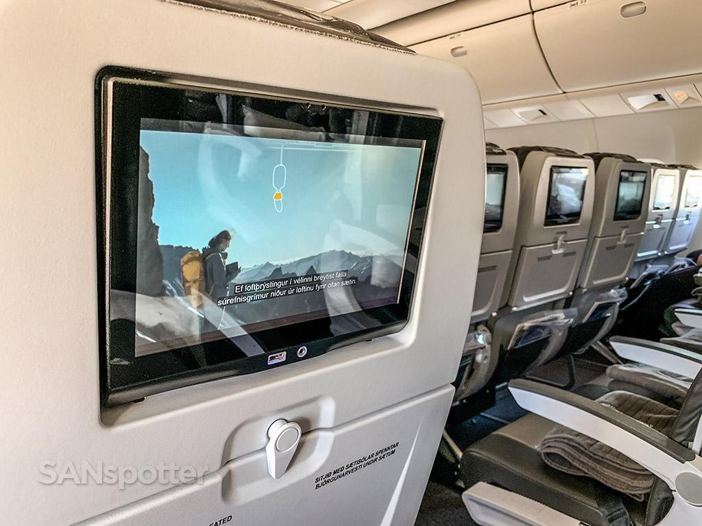 Icelandair 767 video screens