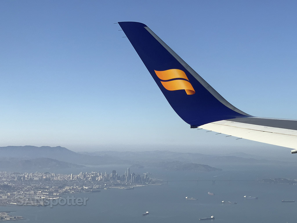 Departing San Francisco Icelandair 767