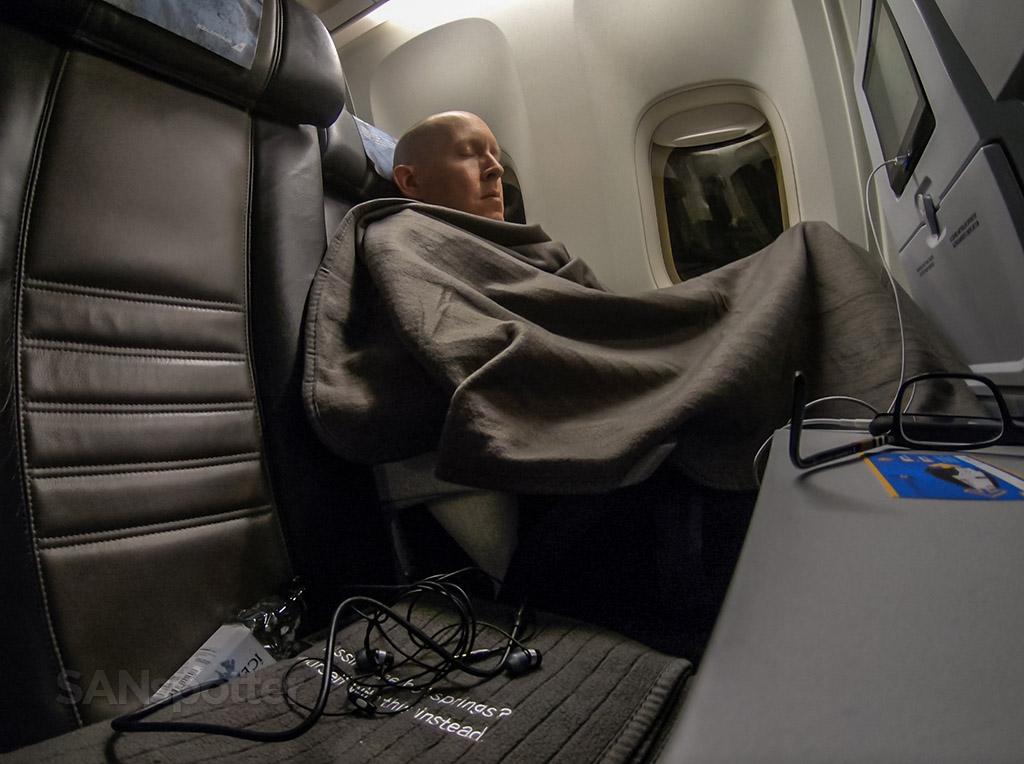 SANspotter selfie Icelandair Sleeping