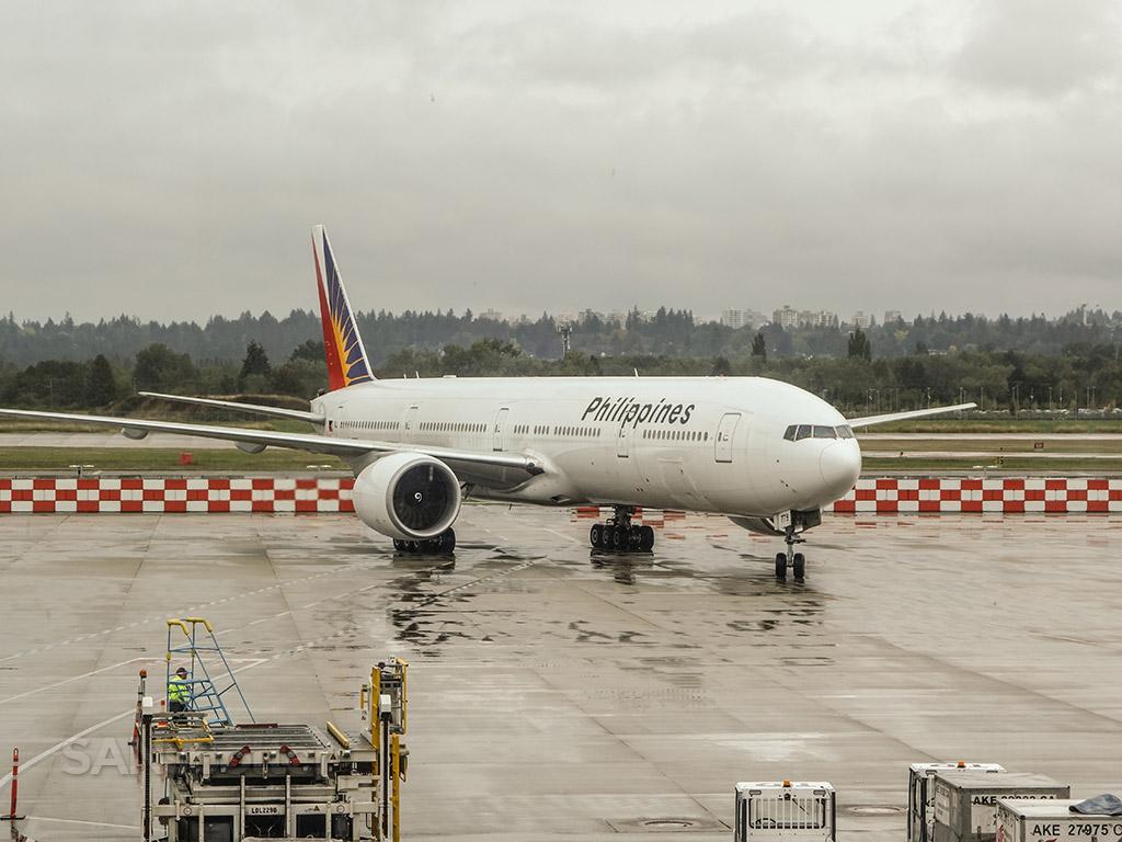 philippine airlines 777-300 YVR