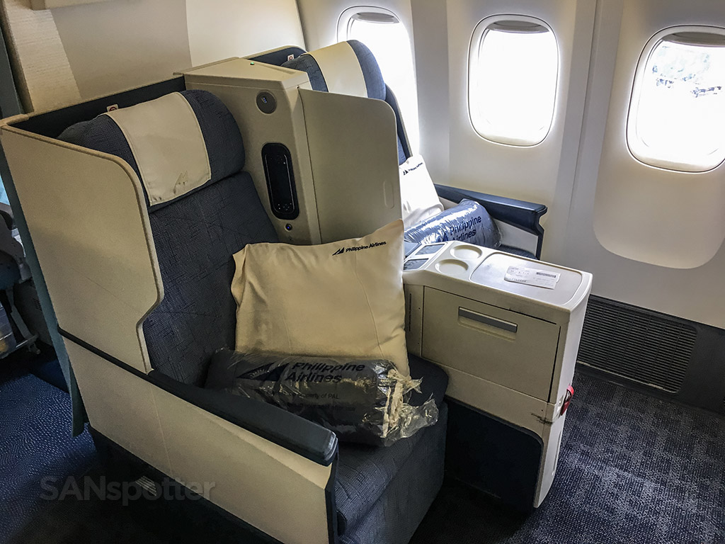Philippine airlines 777-300 business class seats