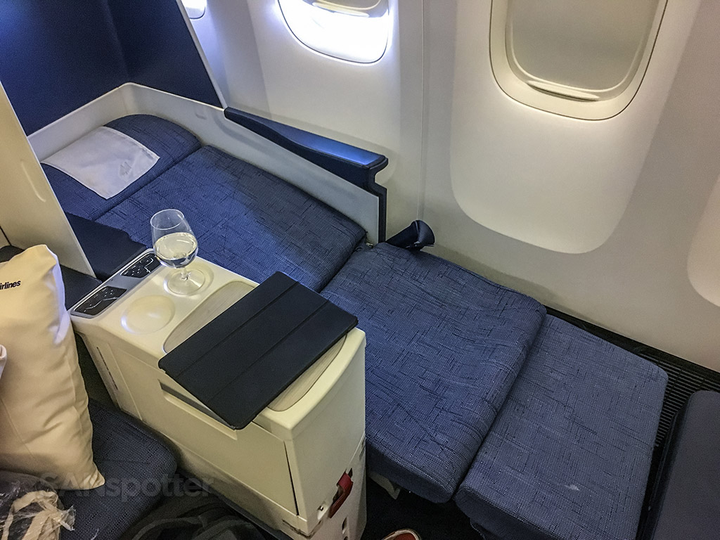 Philippine Airlines 777-300 business class lie flat seat