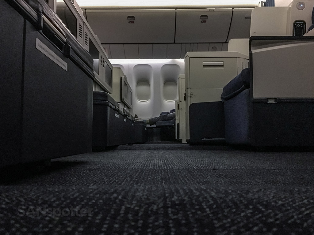 Philippine Airlines 777-300 review