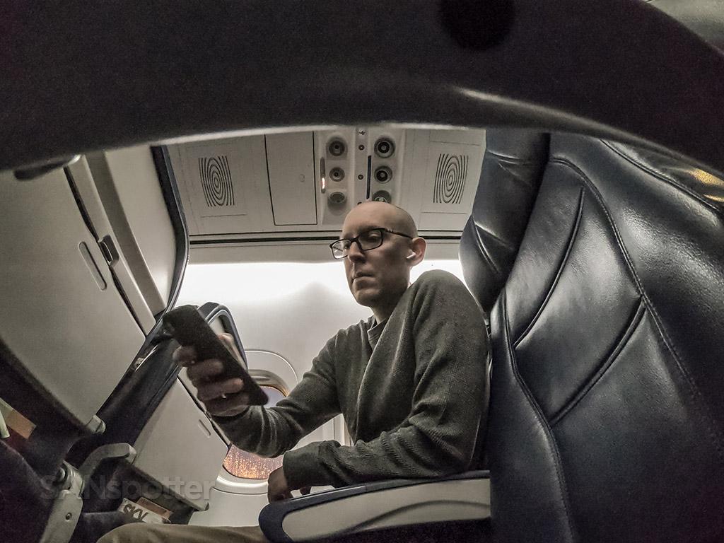 SANspotter selfie delta 717 economy class