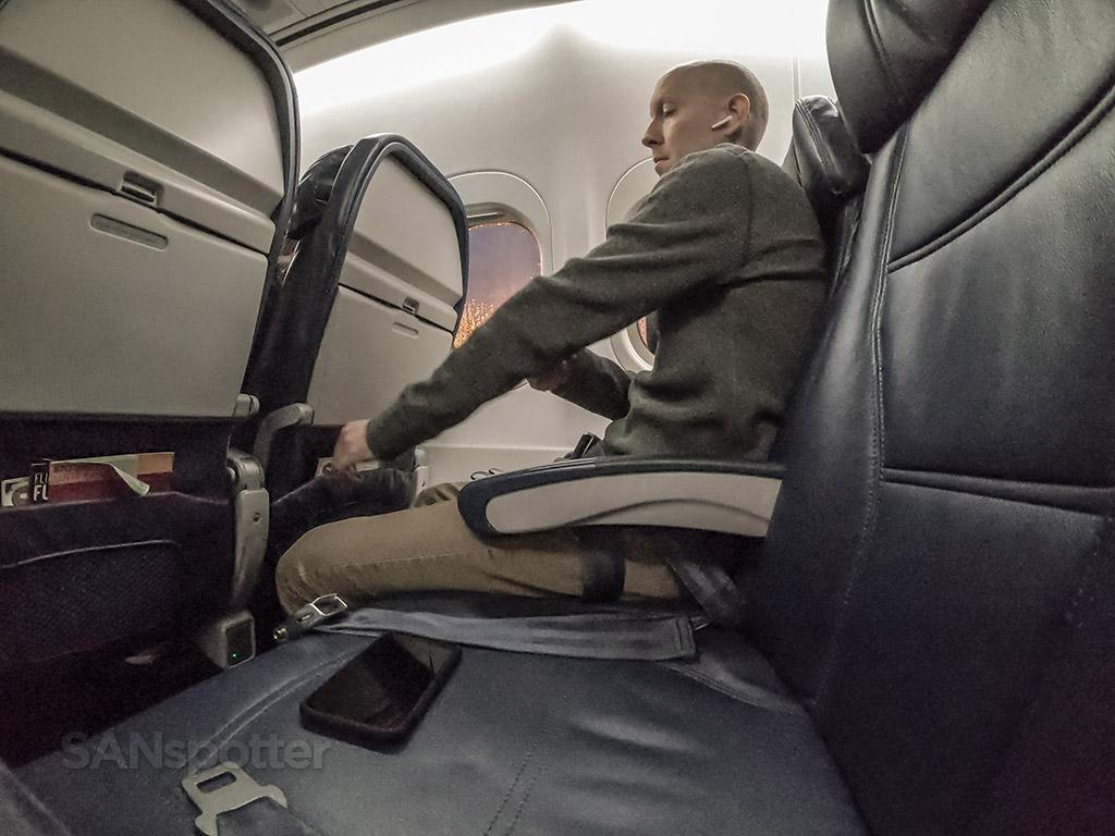 SANspotter selfie delta air lines 717-200