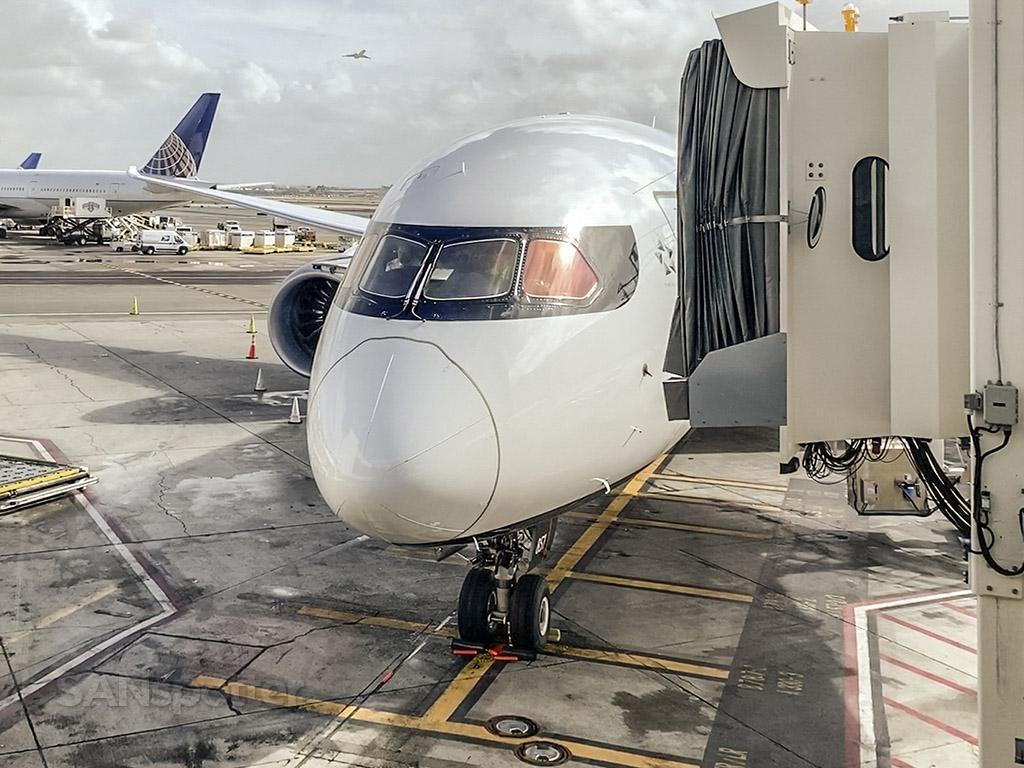 Air Canada 787-9 nose LAX