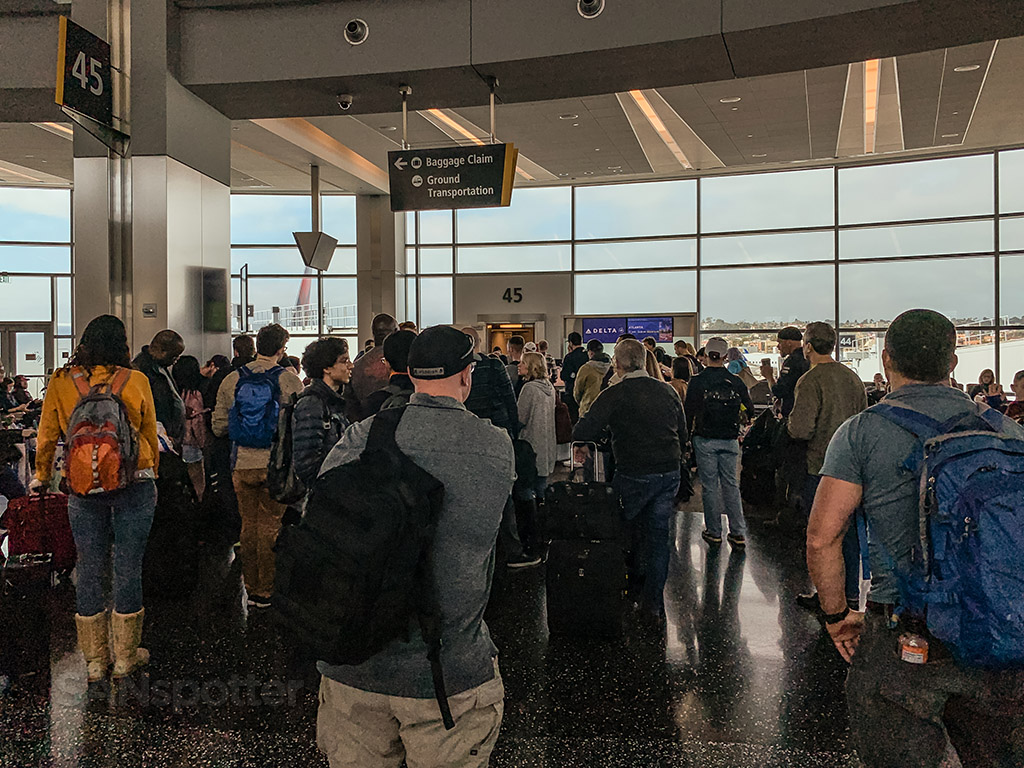 Delta airlines Gates San Diego airport