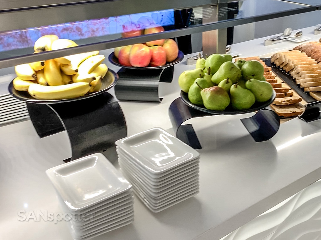 Air New Zealand Lounge food review