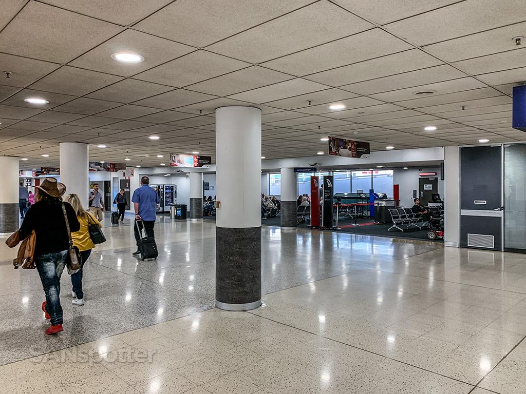Melbourne airport domestic gate
