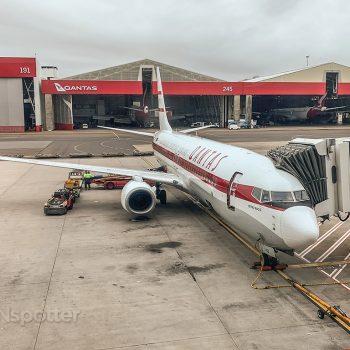 Qantas 737-800 Retro Roo II