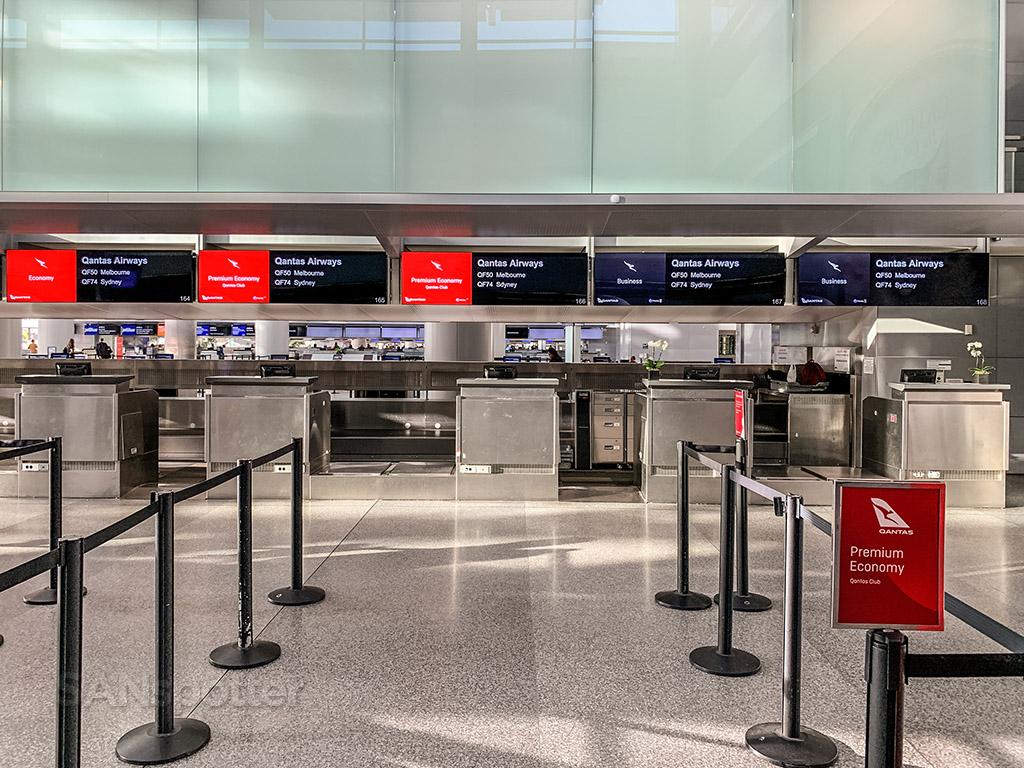 Qantas premium economy check in sfo