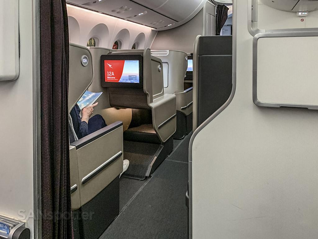 Qantas 787-9 business class
