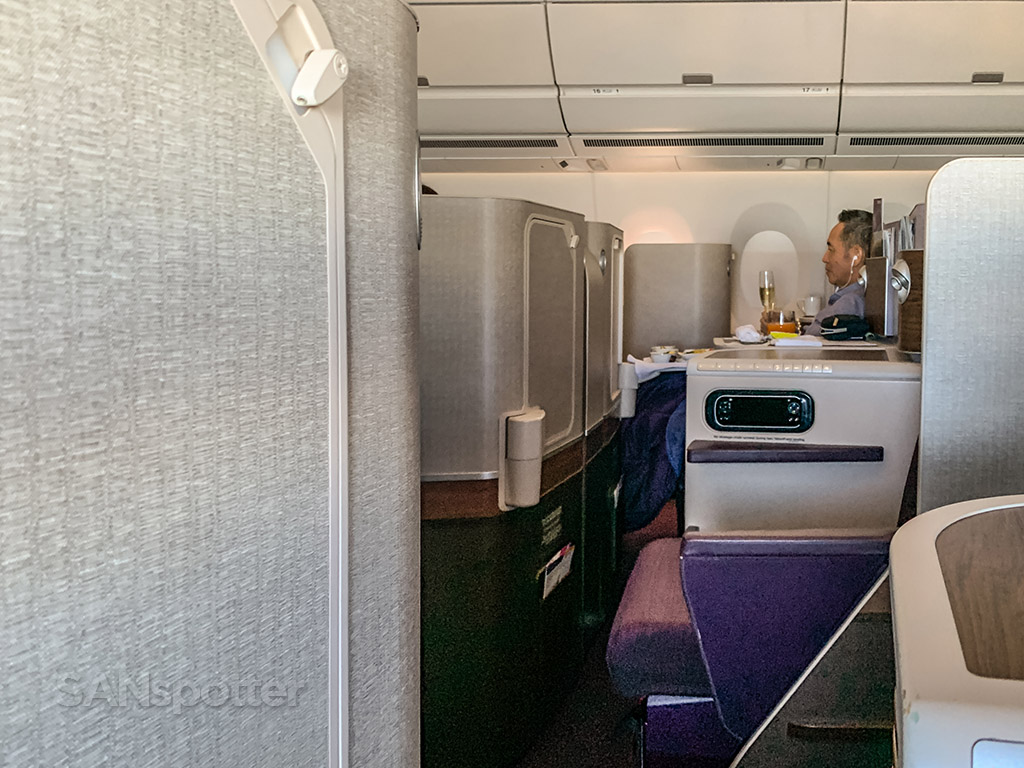 Thai Airways business class meal service