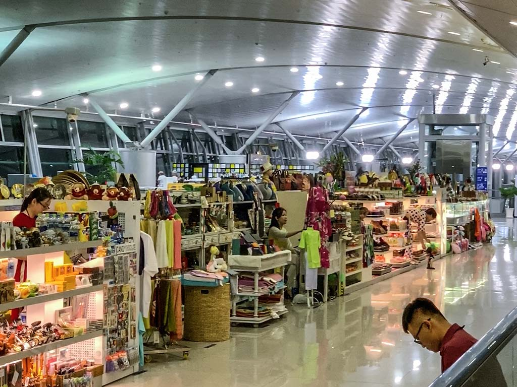 Ho Chi Minh Airport shopping