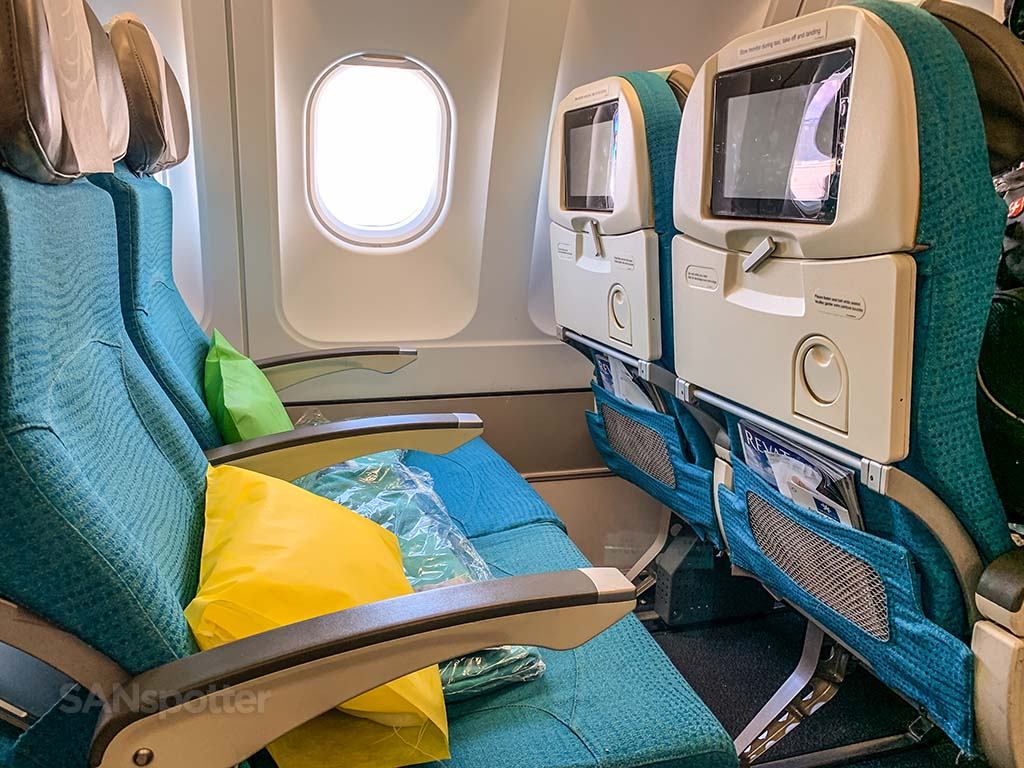 Air Tahiti Nui economy class seat features