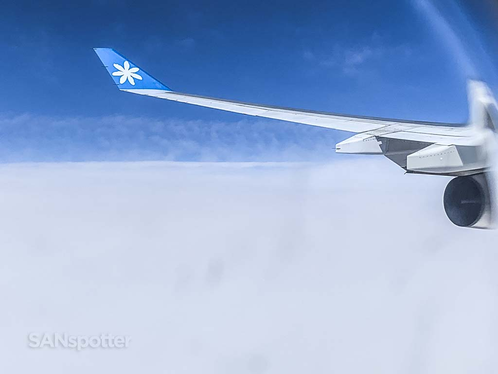 Air Tahiti Nui a340 wing view